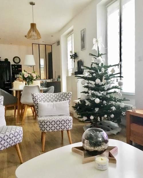 Aménagement salon scandinave hiver sapin de noel