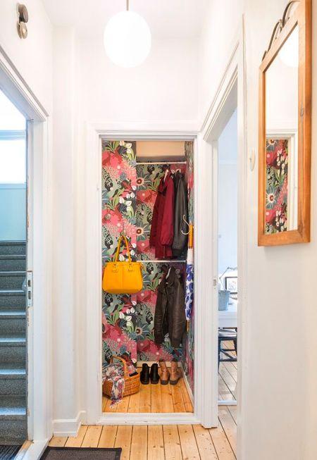 papier peint jungle dans un placard