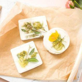 savon-fleurs-sechees1-min