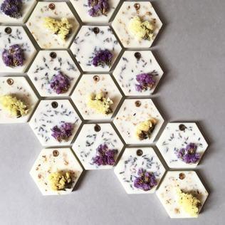 savon-fleurs-sechees2-min