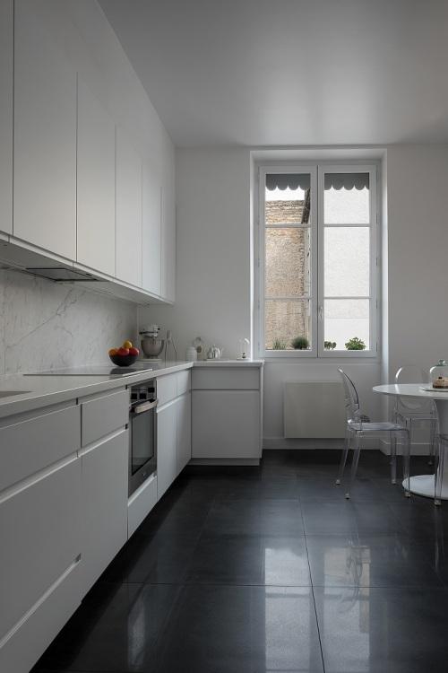 cuisine moderne de l'appartement lyonnais d'Agathe